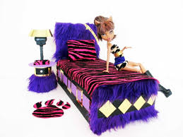 Monster High Bedroom Set by How To Make A Clawdeen Wolf Doll Bed Tutorial Monster High Youtube