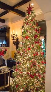 Donner And Blitzen Christmas Trees by Dr Phil And Robin Mcgraw Transform Their Home Into Santa U0027s