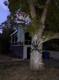 Halloween City Slc Utah by Holladay Man Makes Changes To Controversial Halloween Decoration