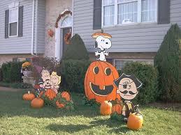 Snoopy Halloween Pumpkin Carving by Fun Great Pumpkin Yard Display Idea For Next Year Great