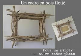 un cadre photo ou miroir en bois flotté