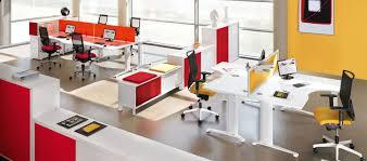 agencement bureaux au bureau le choix d un mobilier et d un aménagement dédiés à la