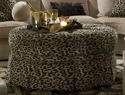 Cheetah Print Living Room Decor by Best 25 Cheetah Living Rooms Ideas On Pinterest Animal Print