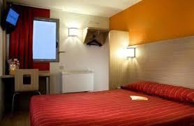 chambre classe hotel premiere classe nanterre la defense sur hôtel à