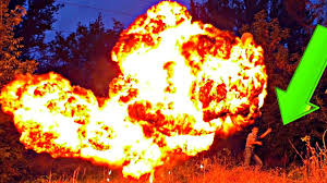 Calcium Carbide Lamp Fuel by Carbide Water And Huge Balloons A Hollywood Explosion With Lots