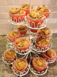 Cake Mix And Pumpkin Puree Muffins by Best 25 2 Ingredient Pumpkin Muffins Ideas On Pinterest Pumpkin
