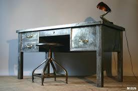 bureau en acier bureau en acier brut vers 1950