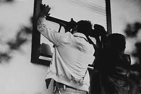 wiesbadenaktuell einbrecher durchsuchen schlafzimmer