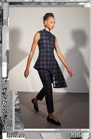 Mila Kunis Leaked Photos Bathtub by Naomie Harris Is Elegant At Calvin Klein Nyfw Show Daily Mail Online