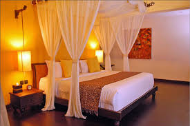 Wonderful Bedroom Decorating Ideas For Married Couples With Romantic Home Design