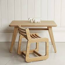 table chambre enfant chambre enfant table enfant en bois naturel deco de chambre simple