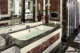 die badezimmer im adlon kempinski mit ihren sehr