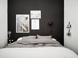 kleines schlafzimmer dunkel caseconrad