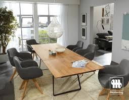 een zorgvuldig samengesteld nederlands familiehuis dining