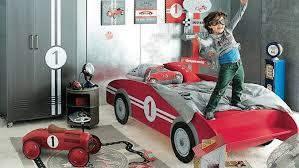chambre voiture garcon lit voiture pour garçon chambre enfant