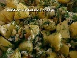 cuisiner des pommes de terre nouvelles recette de salade de pommes de terre nouvelles au roquefort