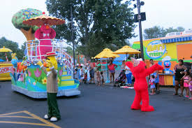 Sesame Place Halloween Parade by Sesame Place Neighborhood Birthday Party Night Parade Flickr