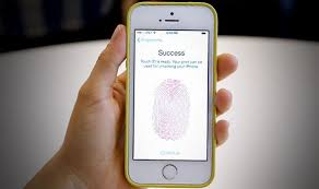 Shocking GLITCH that unlocks iPhone without a password has