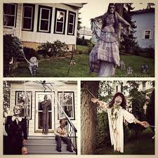 Outdoor Halloween Decorations Canada by 45 Halloween Decorations That Convert Homes Into Real Horror Meuseums