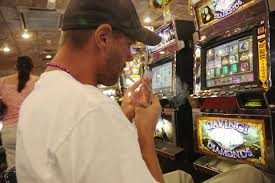 as last bastion for smokers las vegas casinos ignore trend the