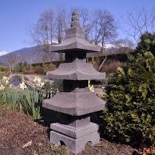 lanterne japonaise pagode en de lave 80 cm 1224 luminaire