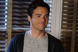 Pretty Little Liars Halloween Special 2014 Download by Ian Harding News Pictures And More Tvguide Com
