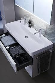 filigrane form badezimmer dusche fliesen spiegelschrank