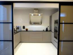 cuisine bois plan de travail noir cuisine bois plan de travail noir cuisine ouverte conviviale et