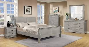 5 things you when purchasing a rustic bedroom set