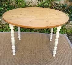 table ronde de cuisine ancienne table ronde de cuisine à volets avec plateau en pion et