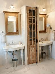 Antique Bathroom Decorating Ideas by Very Old Style Bathroom Decor Ideas Victorian Mirror And Corian