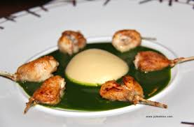 cuisiner les cuisses de grenouilles jambonnettes de grenouilles à la purée d ail et au jus de persil de