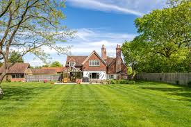 100 Home Contemporary Design CONTEMPORARY DESIGN WITH PERIOD FEATURES United Kingdom Luxury