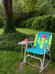 Webbed Lawn Chairs With Wooden Arms by How To Macrame A Vintage Lawn Chair How Tos Diy