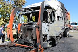 100 Garbage Truck Videos Roseville Engulfed In Flames The Press Tribune Newspaper