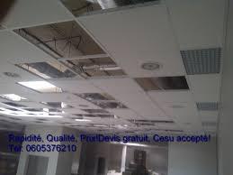 faux plafond bureau installation faux plafond dans une piscine