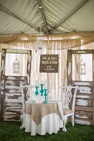 Decorating Indoor Rustic Country Wedding Table Decor
