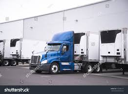 100 Semi Truck Trailers Big Rig Reefer Trailer Stock Photo Edit Now