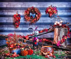 Lowes Canada Outdoor Christmas Decorations by Top 4 Spooktacular Decorating Ideas For Halloween Lowe U0027s Canada