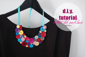 MbM DIY Tutorial Button Bib Necklace MAIN