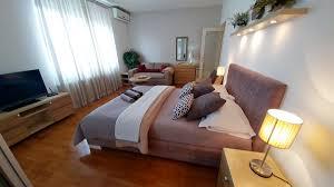100 Belgrade Apartment DELUXE Apartment