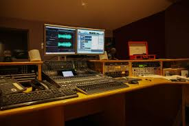 100 Studio B Home Page LS