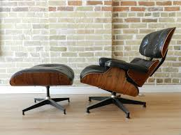Charles Eames Lounge — Zig Zag Vitra Eames Lounge Chair Charles Herman Miller Walnut Evans Lcw By And Ray Rosewood Ottoman Palm Beach And For For Sale At 1stdibs 670 Retro Obsessions Vintage Office Designs In Black Leather Rare White By A
