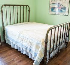 Spindle Headboard And Footboard by Online Only Auction In Cincinnati Oh Starts On 12 15 2017