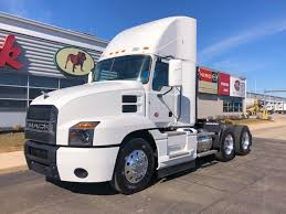 MACK DAYCABS FOR SALE