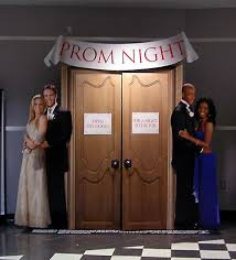 How To Ask A Girl Prom Category 1 Totally Out There