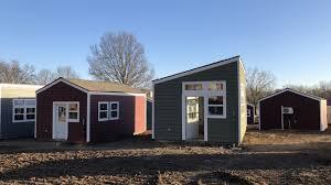 100 Homes In Kansas City Tiny Homes Big Dreams 13 Homeless Veterans Move Into Tiny