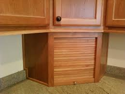Merillat Bathroom Cabinet Sizes by Entrancing Brown Color Oak Wood Merillat Kitchen Cabinets