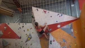 salle de bloc bloc noir à la salle d escalade climb up dijon par saula