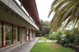 100 Iwan Iwanoff Off House 1960s Revisited ArchitectureAU
